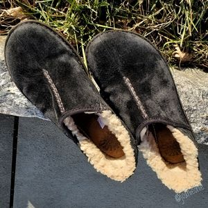 UGG Bettey Charcoal Suede Shearling Shoes Size 8